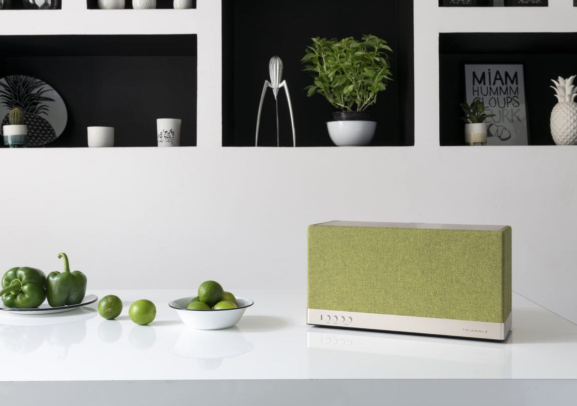 Enceinte connectée bluetooth wifi hifi triangle AIO3 vert lifestyle 03