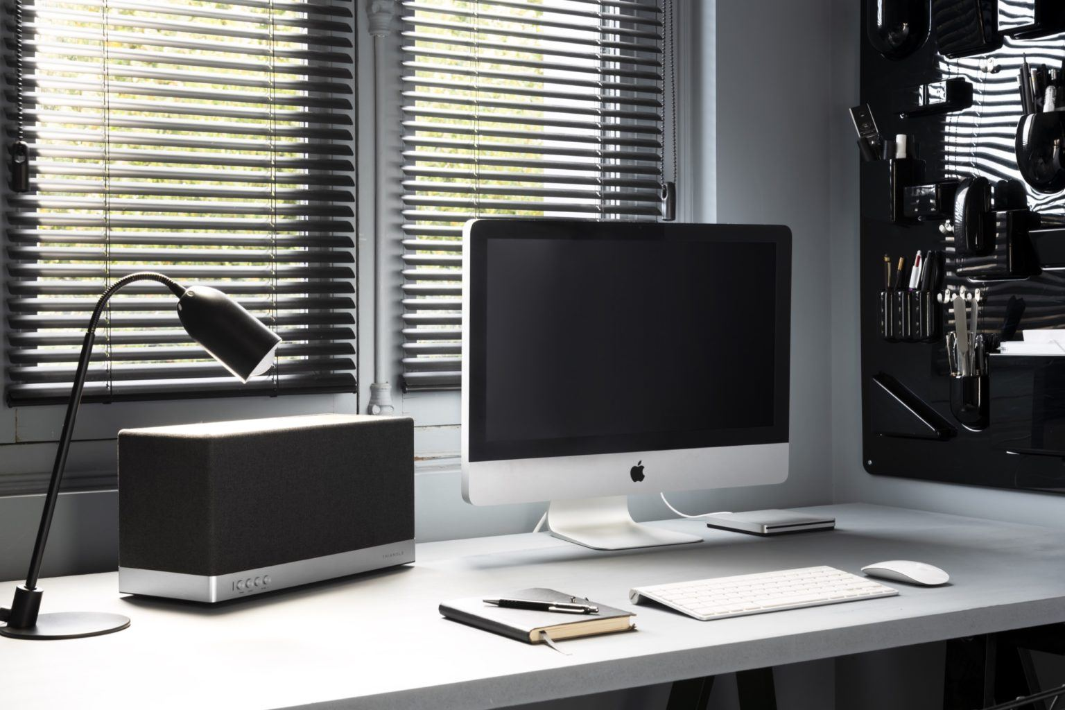 enceinte connectée bluetooth wifi hifi triangle AIO3 lifestyle mac 01