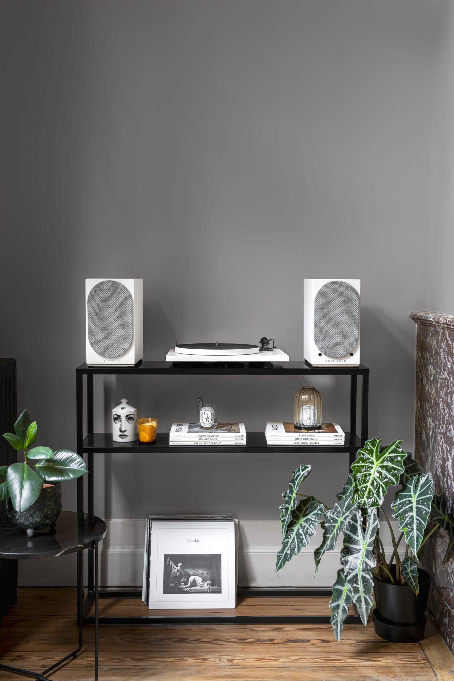 Bluetooth speaker AIO TWIN turntable vinyl lifestyle 5